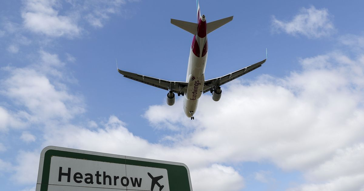'Unacceptable' Heathrow Airport queues blamed on Border Force staff shortages