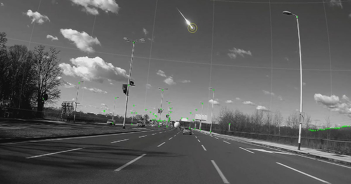 Amazing moment lump of fiery space rock flies into earth's atmosphere caught on dashcam