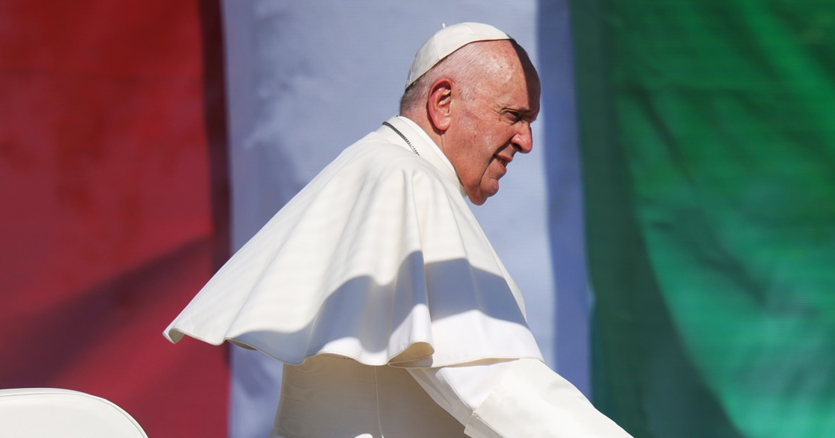 Antisemitism 'still lurking in Europe,' Pope Francis warns on visit to Hungary