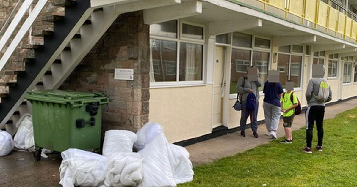 Family leave Pontins holiday on day one after disgusting discovery in room