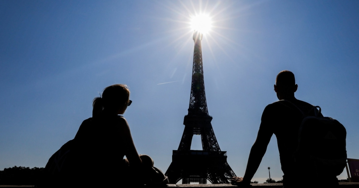 France takes U.S. off safe travel list, reimposes restrictions for tourists