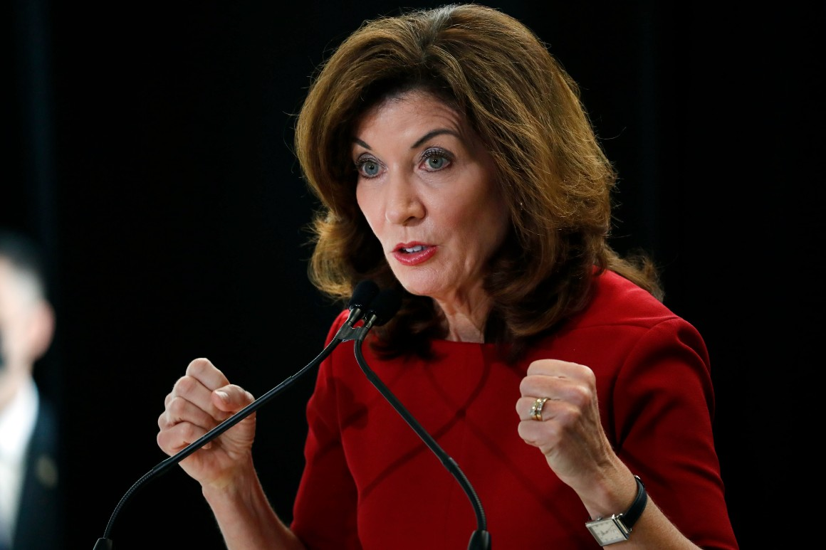 Hochul calls lawmakers back to Albany in first big test for new governor