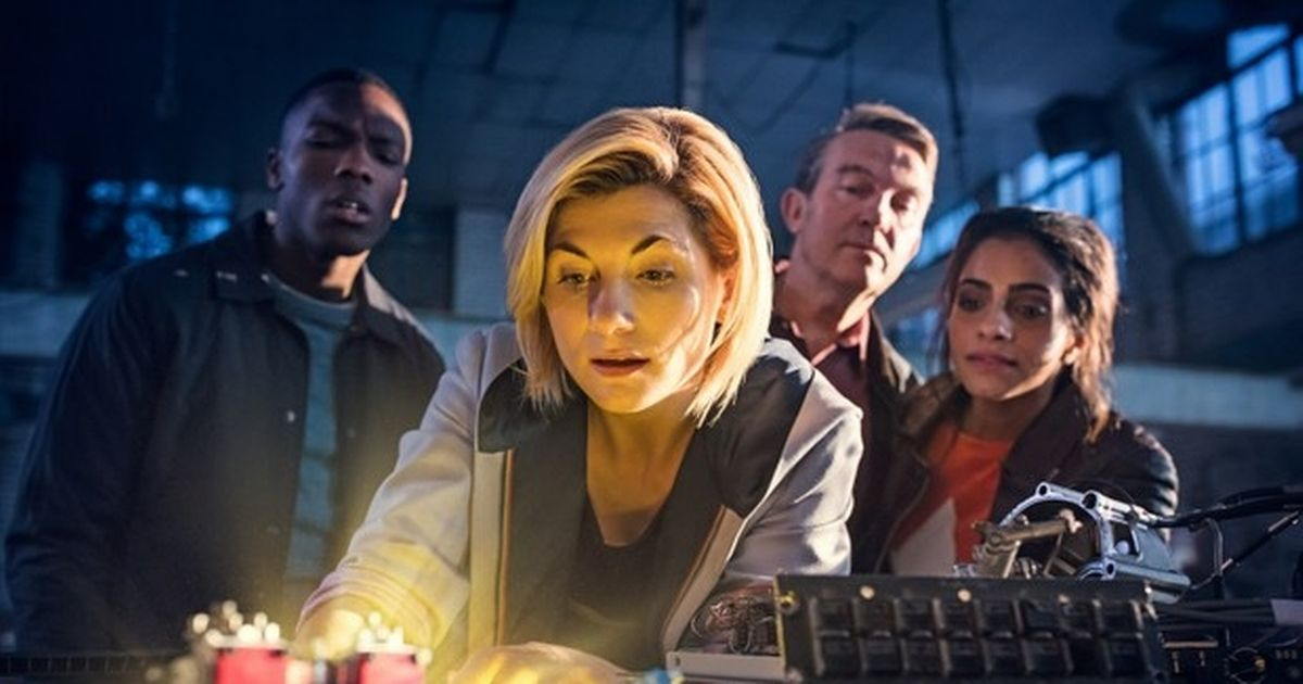Latest UK news evening headlines: Ten days to save Christmas, UK to bake this weekend and shock Doctor Who return