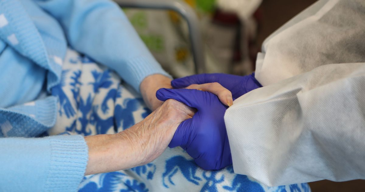 Life expectancy in England falls to lowest level since 2011 after Covid deaths