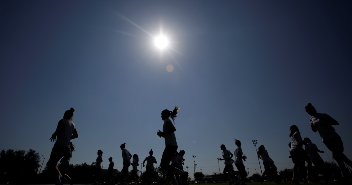 Mexico fines 17 soccer teams for capping female players' wages