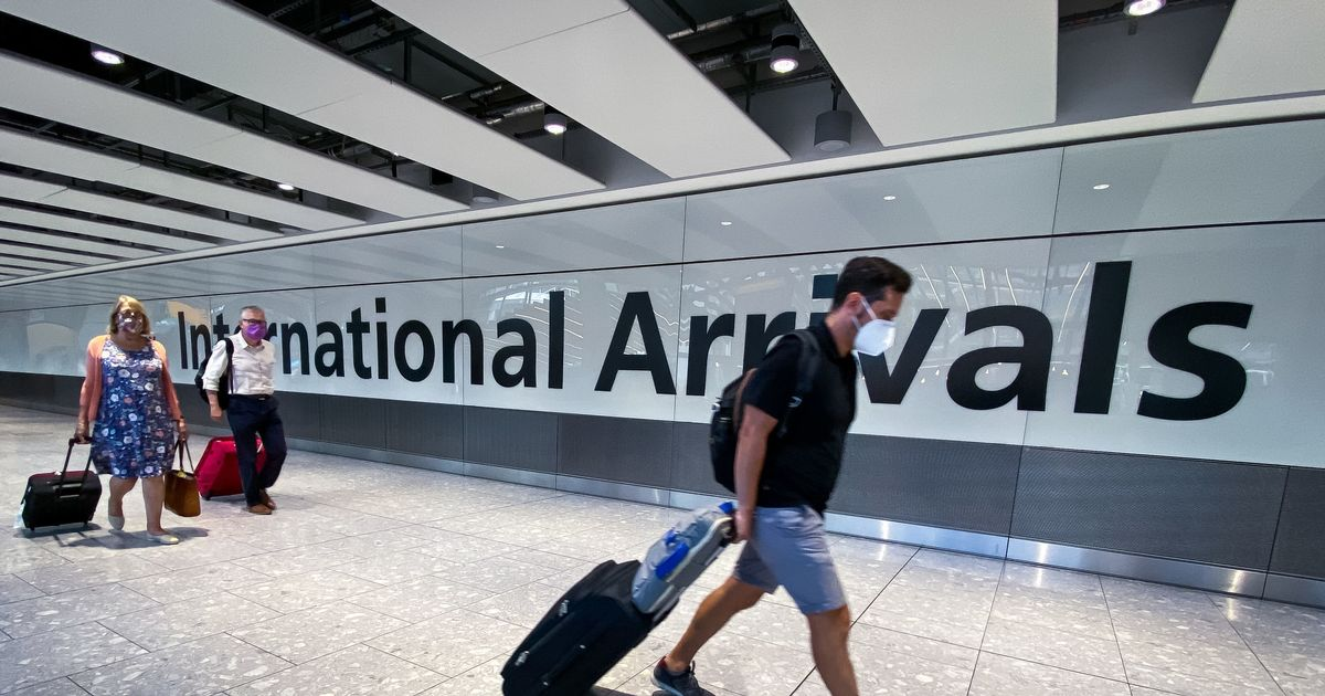 Spain warning to holidaymakers as La Palma airport forced to close