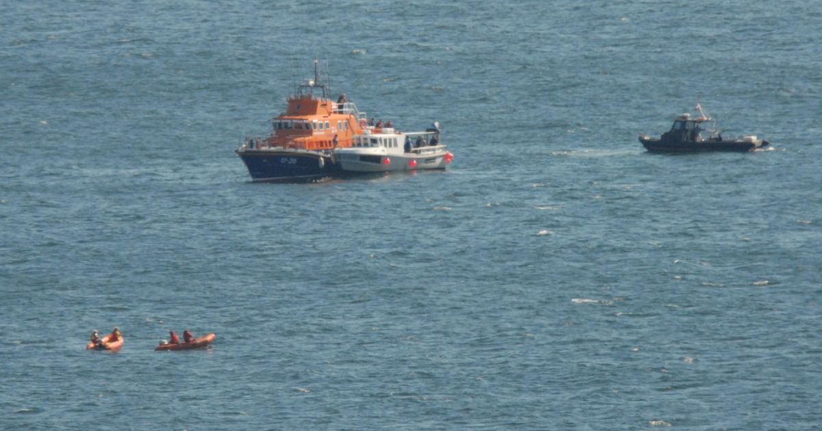 Two divers feared dead after becoming trapped in wreck off coast of Cornwall
