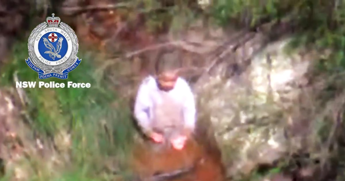 Video shows moment 3-year-old found found in Australian bush