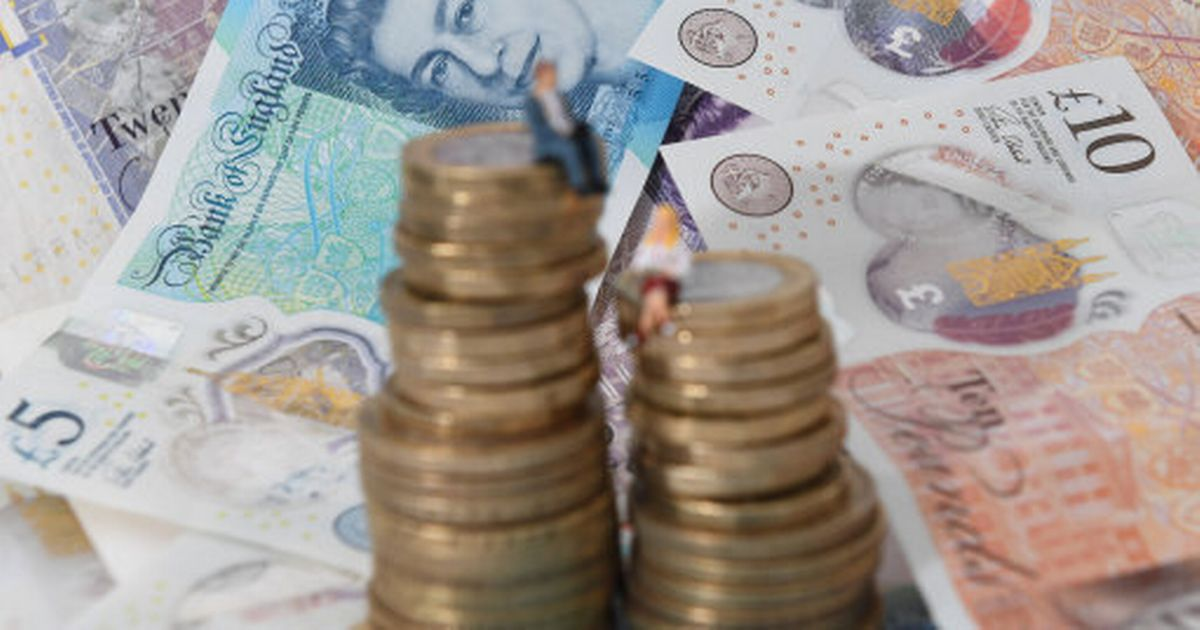 What is the National Minimum Wage for 16-year-olds? Minimum rates of pay companies must give employees