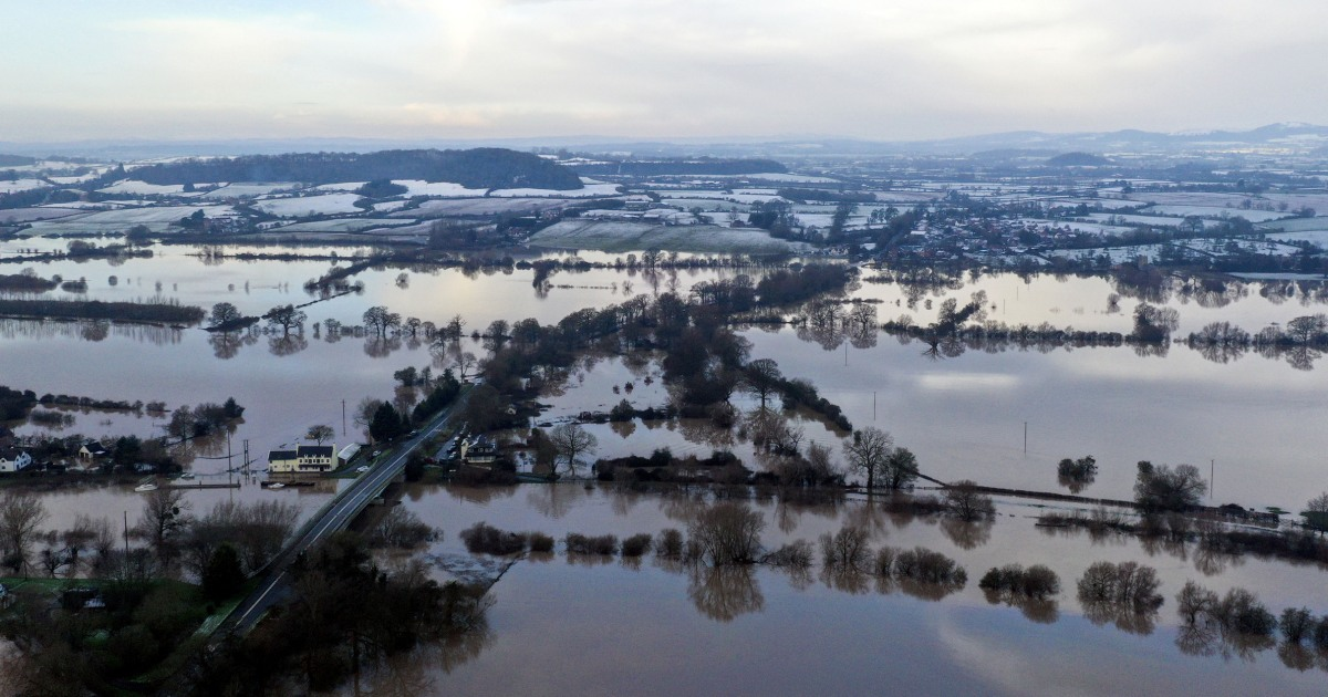 'Adapt or die': England urged to face up to climate threat of floods, droughts