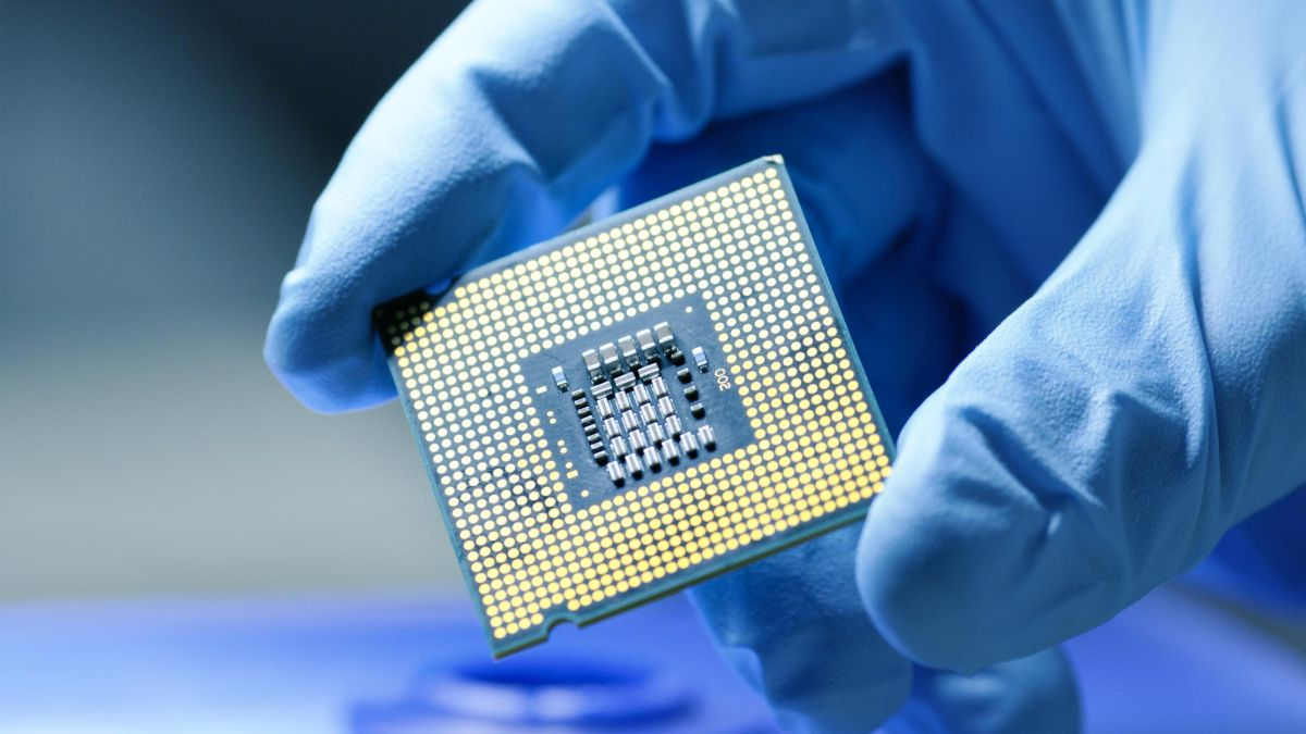 The Semiconductor Crisis That Paralyzes The World: When It Started, China Vs Taiwan