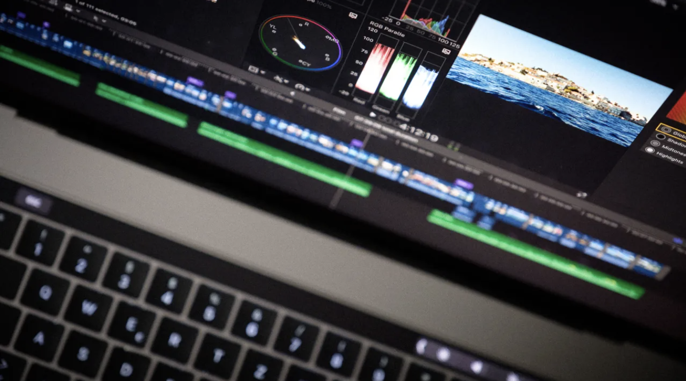 Updated Final Cut Pro and Logic Pro for new MacBook Pros