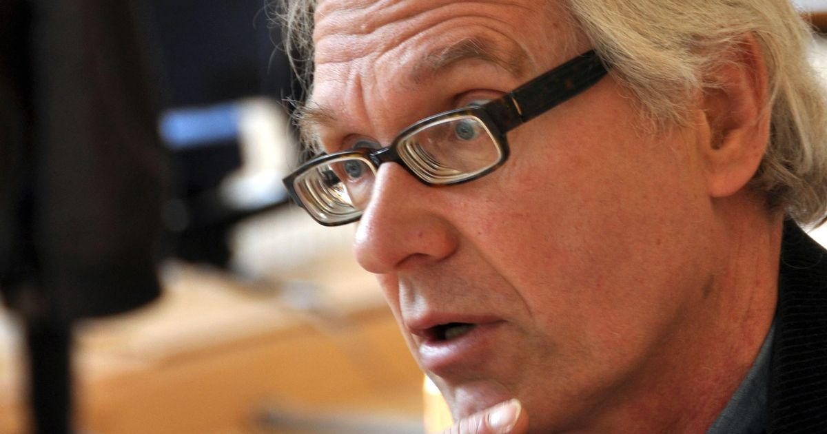 Lars Vilks, known for his drawing of the Prophet Muhammad as dog, has died in a car crash