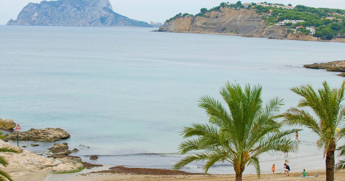 The man drowned swimming at a beach in the Alicante city of Costa Blanca