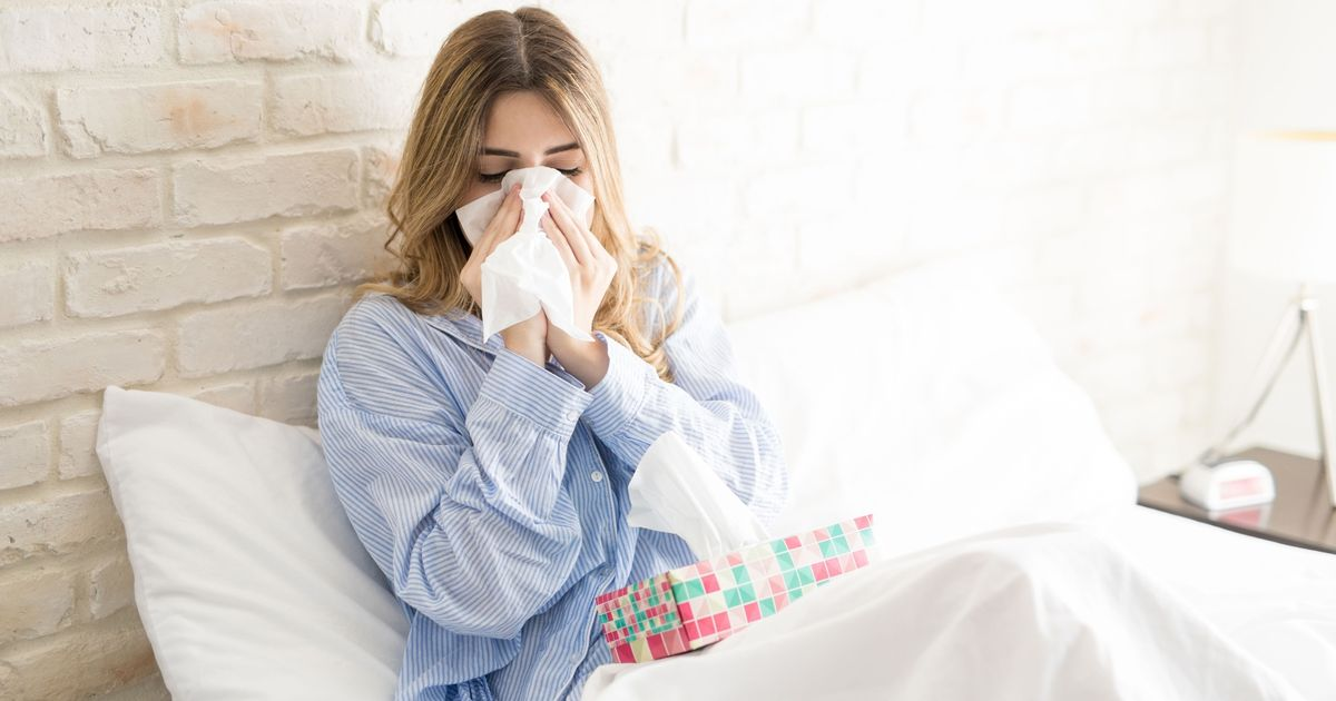 Brits sick with 'worst lurgy ever' told to stay at home by top doctor