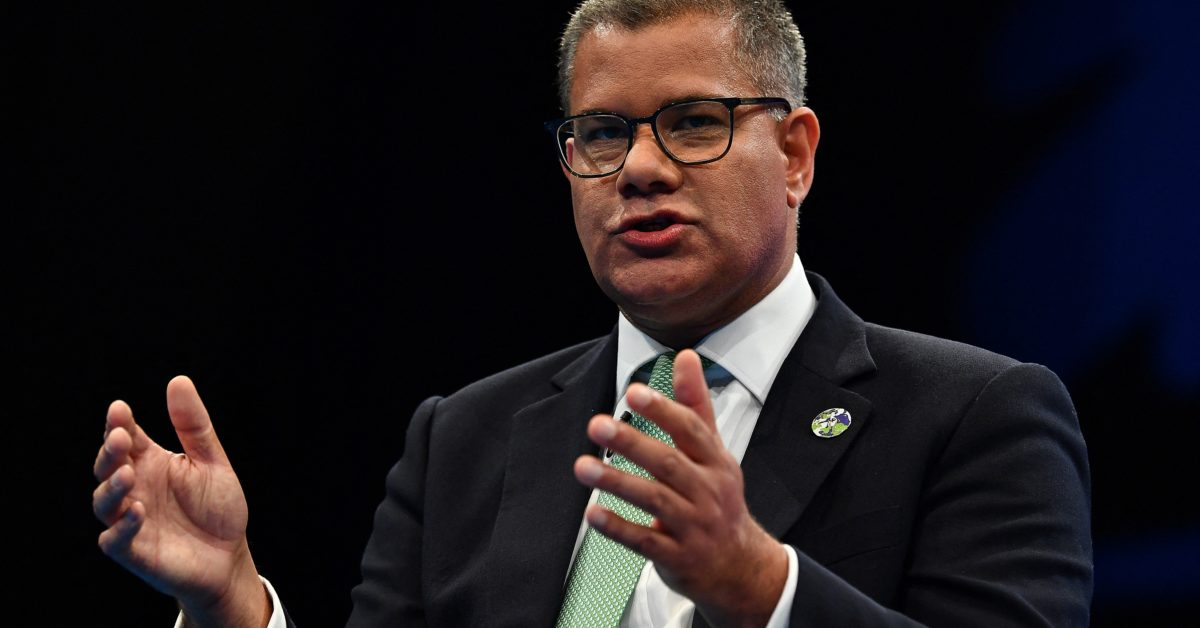 Climate summit chief sets up fight over Paris Agreement's goal