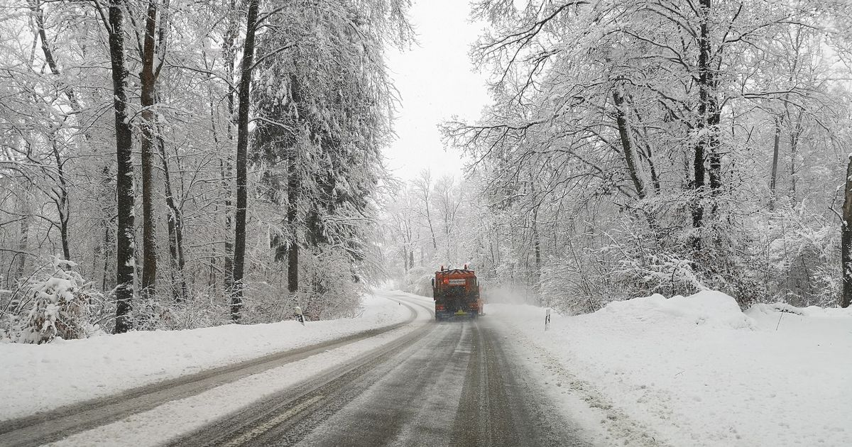 Icy roads may not be gritted this winter thanks to shortages