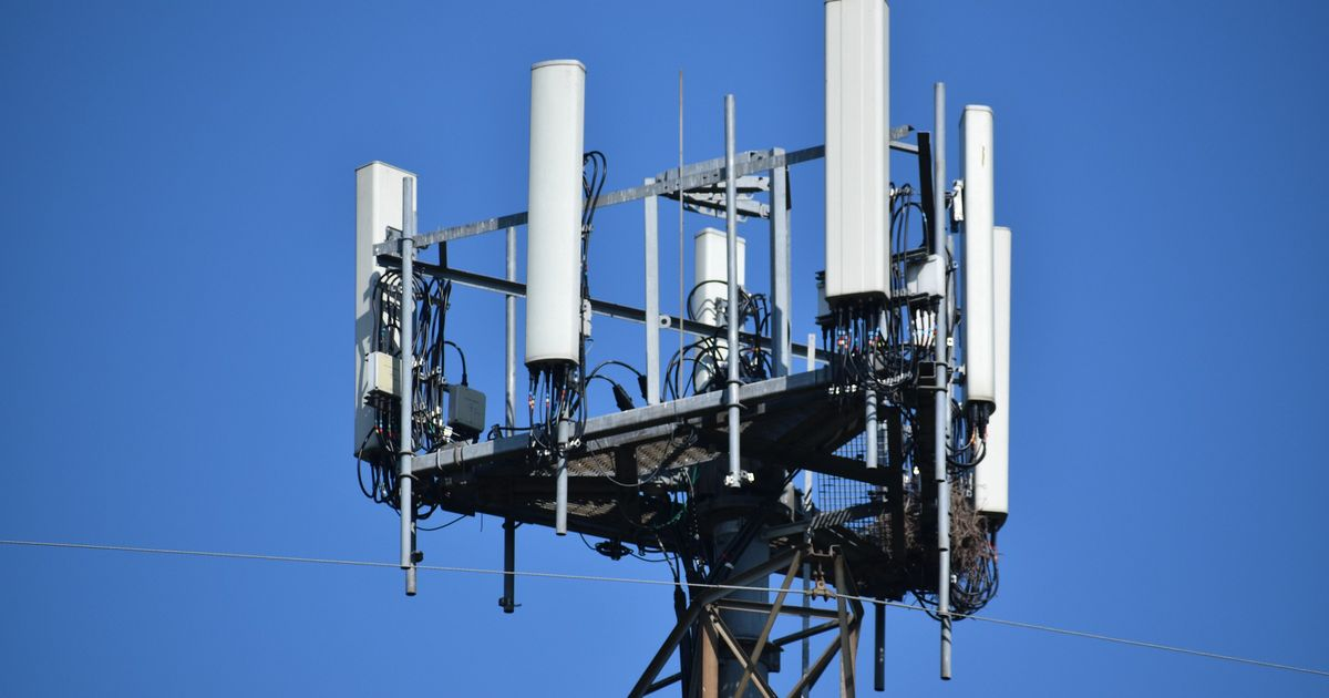 Man who set fire to 5G mast suffering 'severe mental health problems'