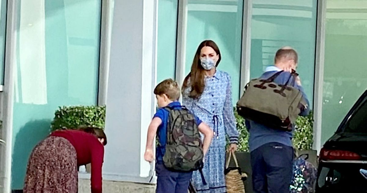 Prince William spotted going on holiday with Kate and their children