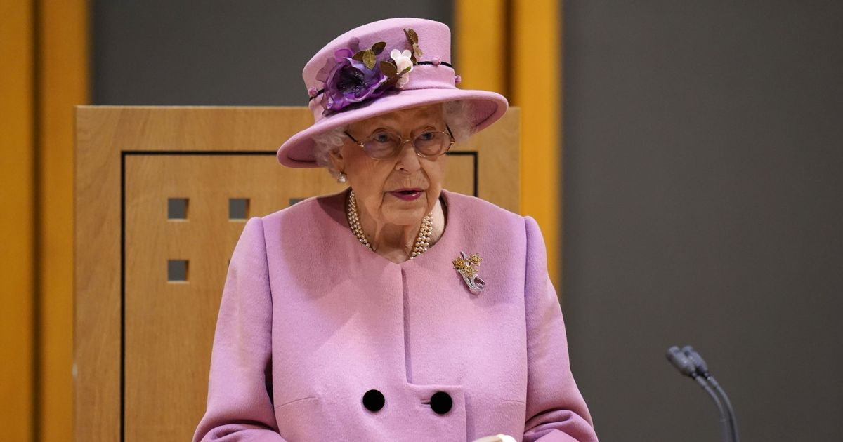 Queen 'irritated' by lack of action on climate crisis