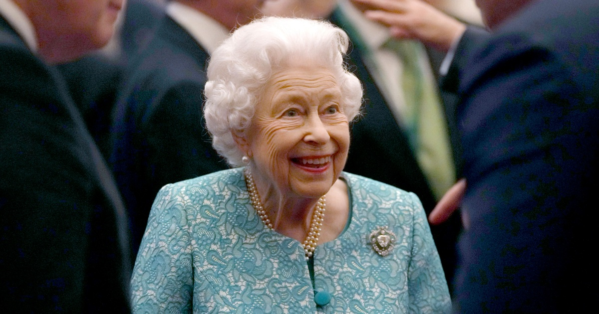 Queen Elizabeth 'reluctantly' cancels trip after doctors tell her to rest for a few days