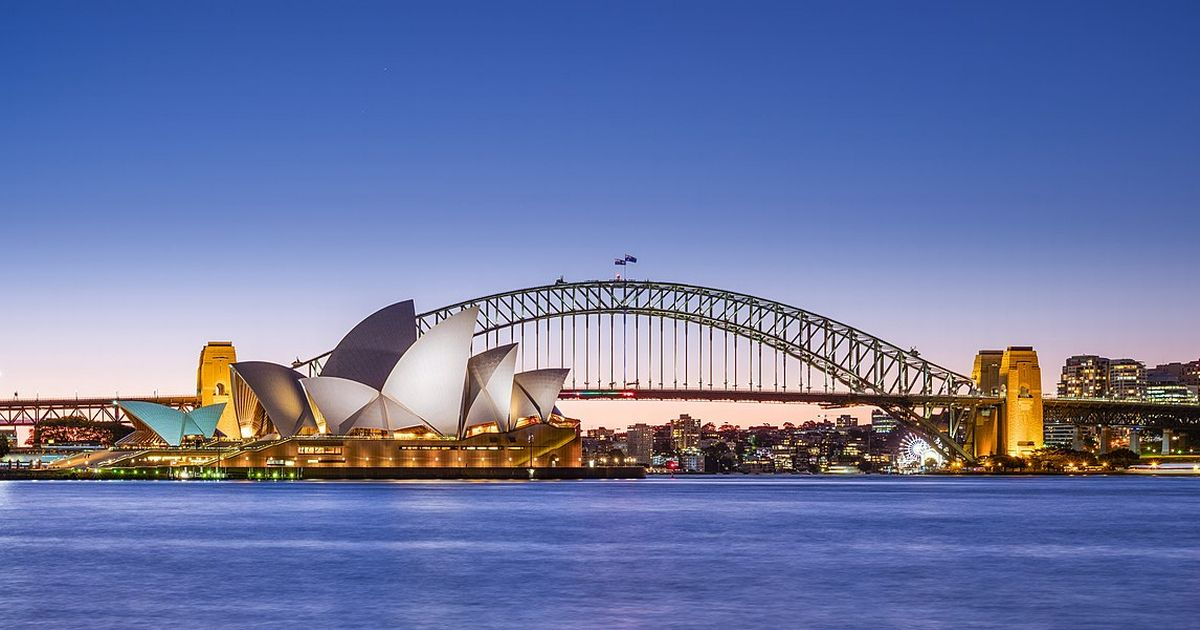 Sydney hospitality sector opens up to fully vaccinated customers
