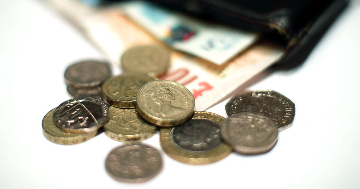 Universal Credit earnings taper: What is it and how does it affect my benefit money?