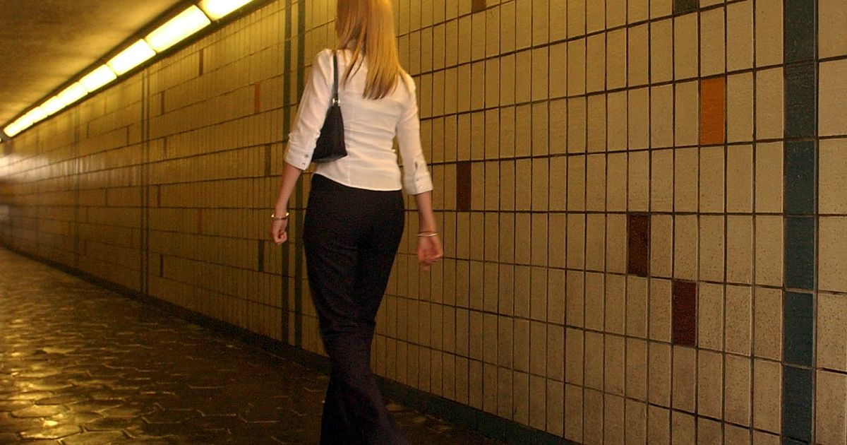 Women walking home could be tracked by new '888 Walk me Home' service