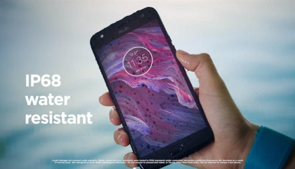 Moto X4 in black color