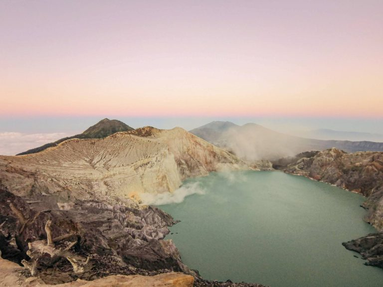 Ijen: Hiking to the Volcano Crater and the Blue Fire – Java Indonesia