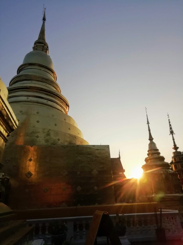 Chaing Mai Gold temple early morning
