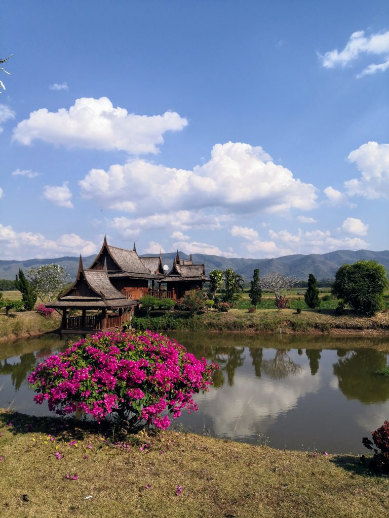a beautiful teek house with a lake just opposite on the way to Nan from Chaing Rai