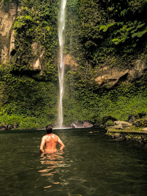 I wasn't sure if I should have took a dip or not, but the the pool was so captivating that I didn't mind getting into the chilly water at Katibawasan falls