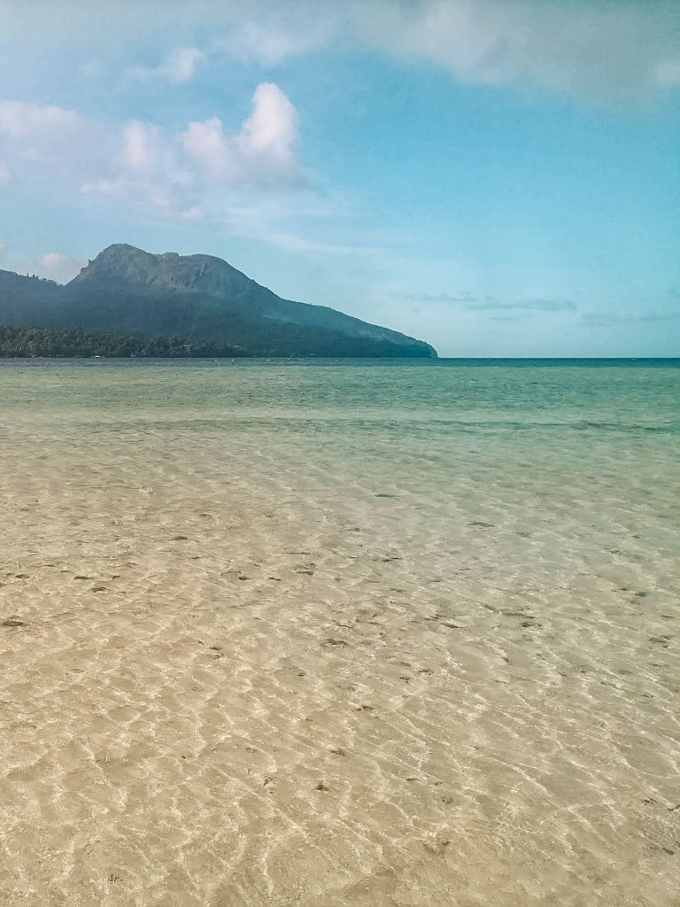 The white sand beach at White Island off the coast of Camiguin