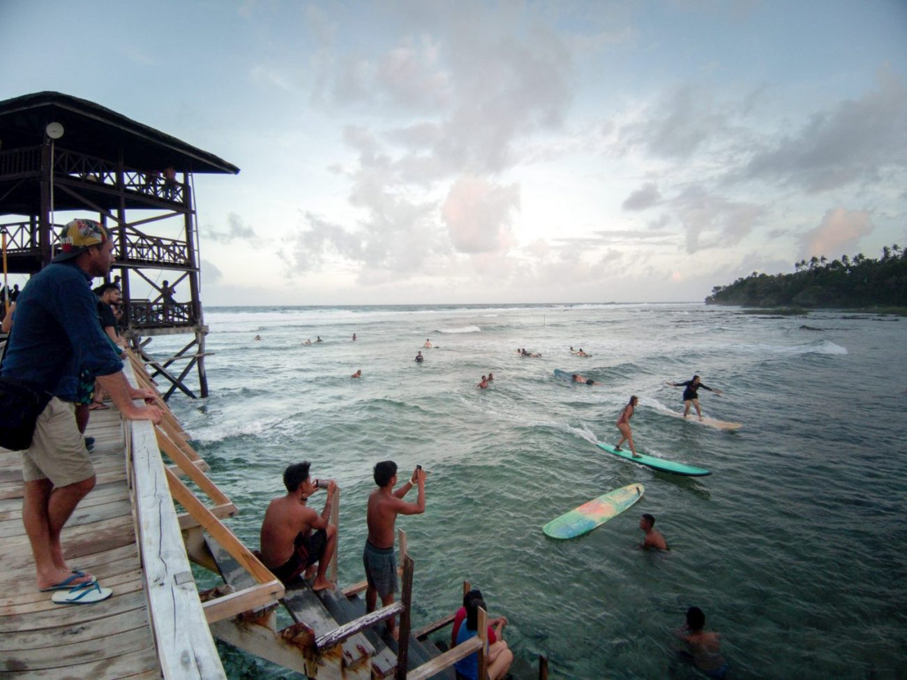 You are currently viewing Best Areas To Stay in General Luna | Siargao Island Favourite Town