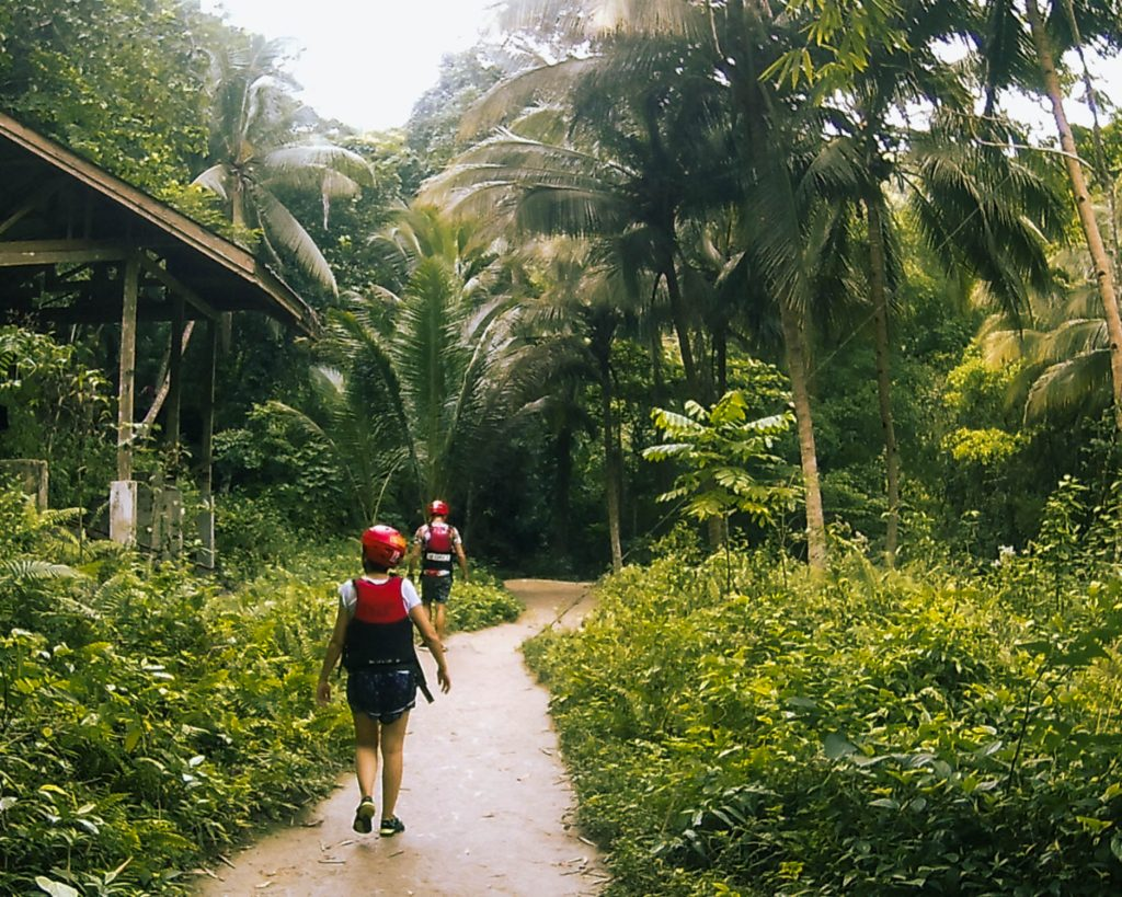 5 hours after we started canyoneering down to Kawasan Falls, our most amazing adventure in the Philippines came to an end.