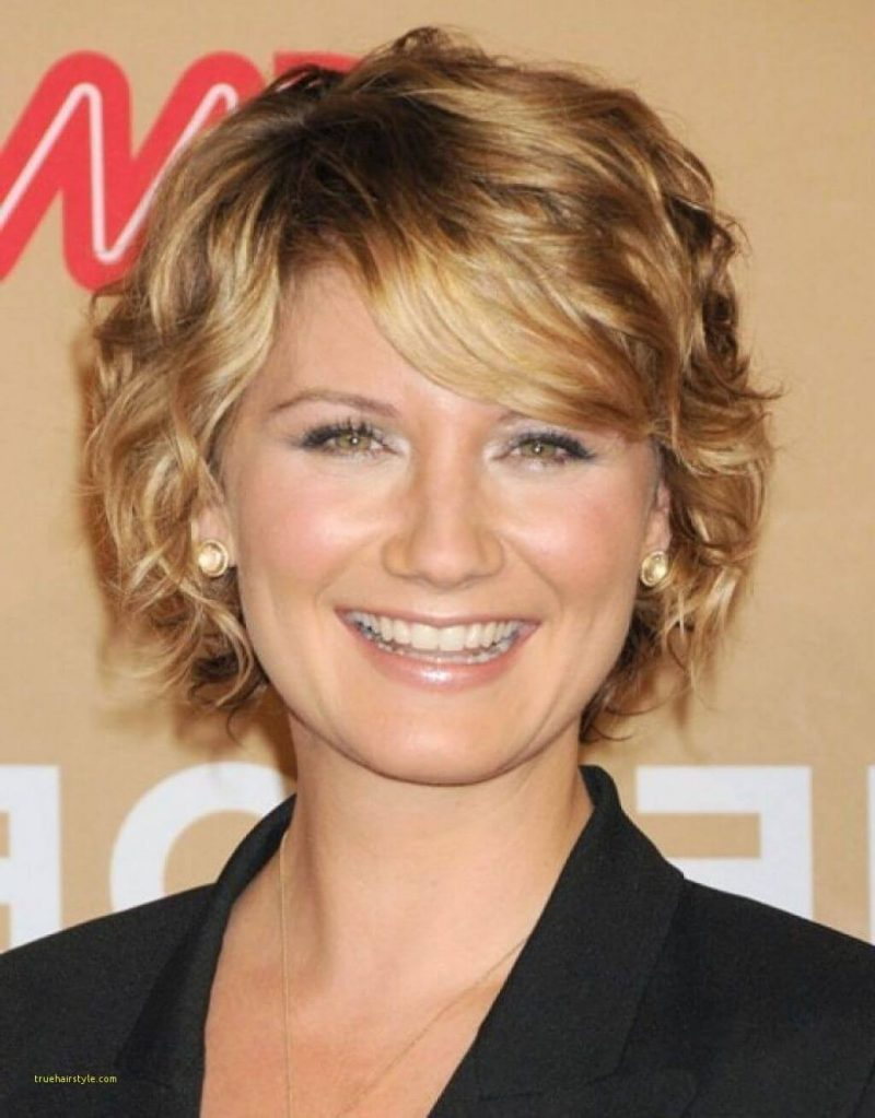 beautiful best short layered hair for over 50