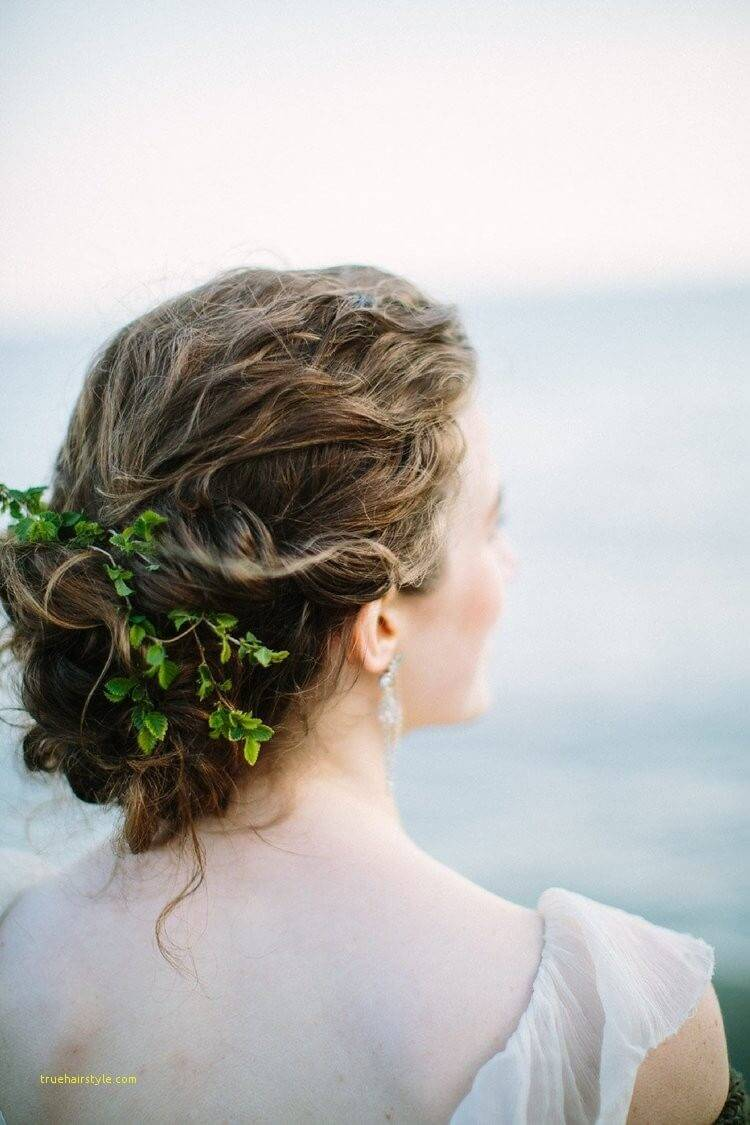 lovely hairstyle tips for brides 1