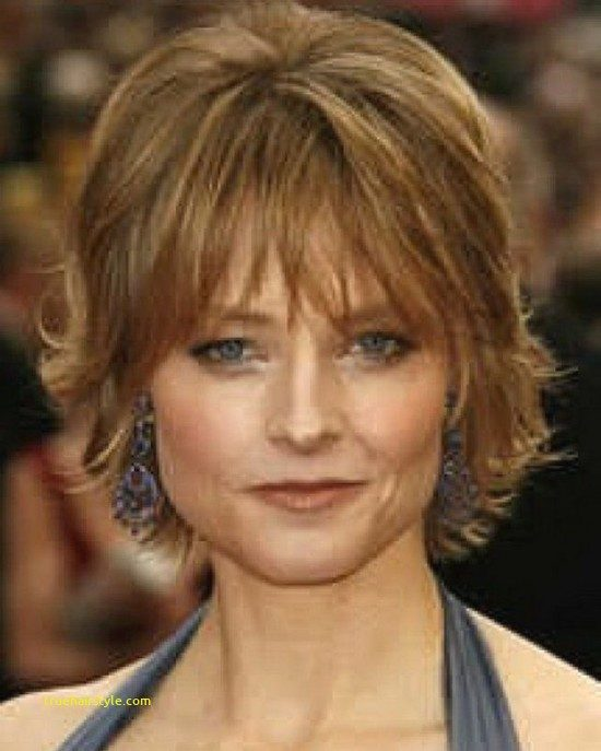lovely fresh hairstyle for short fine hair over 50s in this year