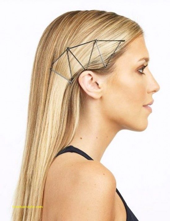 beautiful bobby pin hairstyle in this year