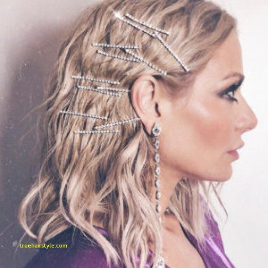 great bobby pin hairstyle of all time