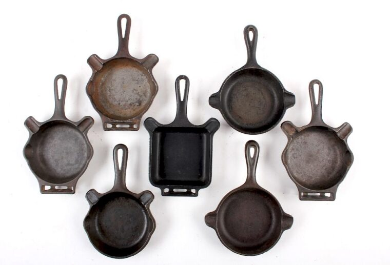 Wagner VS Griswold Cast Iron 1