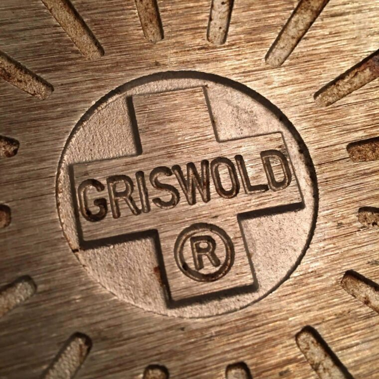Wagner VS Griswold Cast Iron 2