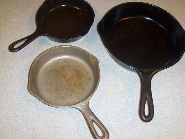 Wagner VS Griswold Cast Iron 3