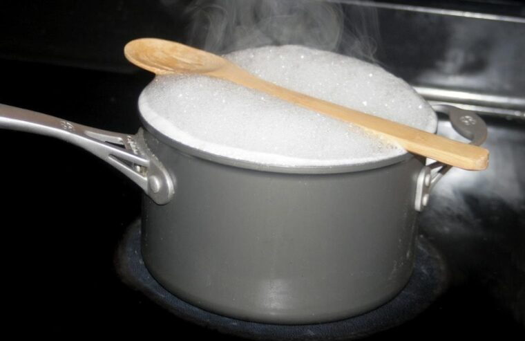 How To Keep Soup From Boiling Over (Solutions, Not Urban Myths) 2