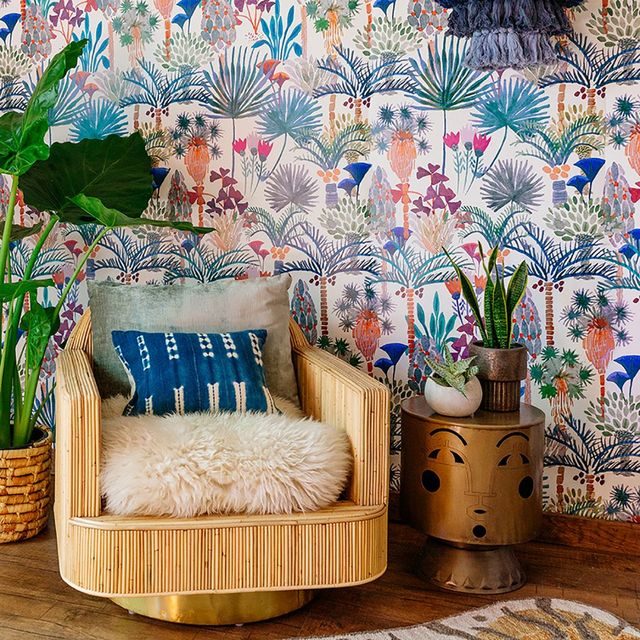 6 Ways To Decorate Your Room With Floral Wallpapers - 2021 Guide 6
