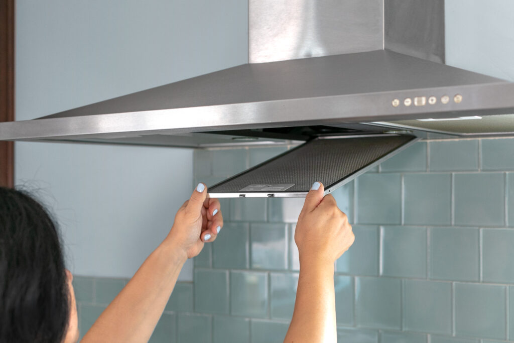 7 Ventilation Tips For Small Kitchens - 2021 Guide 2