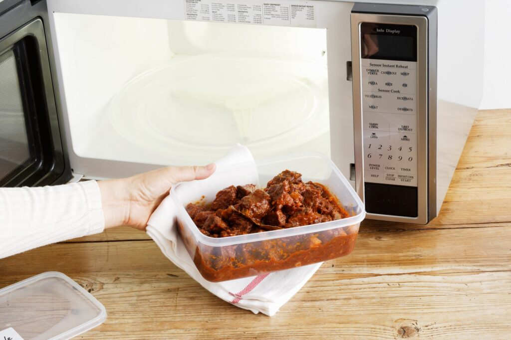 How to Reheat and Store Leftovers Safely - 2021 Guide 3