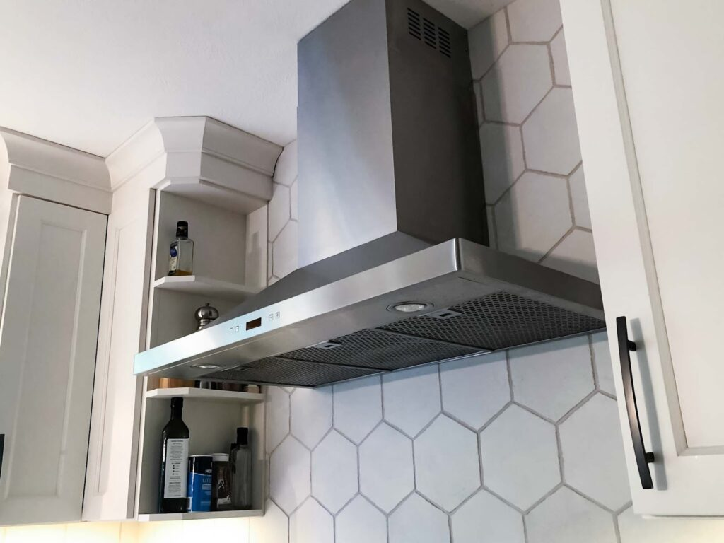 7 Ventilation Tips For Small Kitchens - 2021 Guide 1