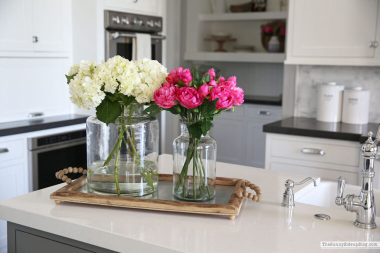 6 Tips on How to Decorate Your Kitchen with Artificial Flowers - 2021 Guide 3